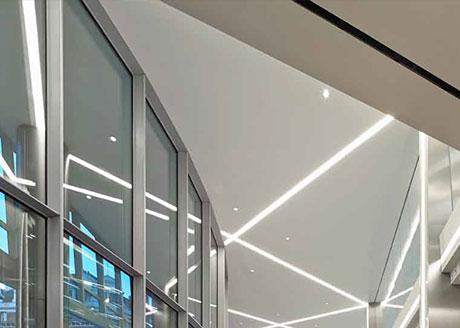 62 Buckingham Gate, London.  Lighting Consultant: Speirs + Major; Architects: Pelli Clarke Pelli Architects /  Swanke Hayden Connell Architects